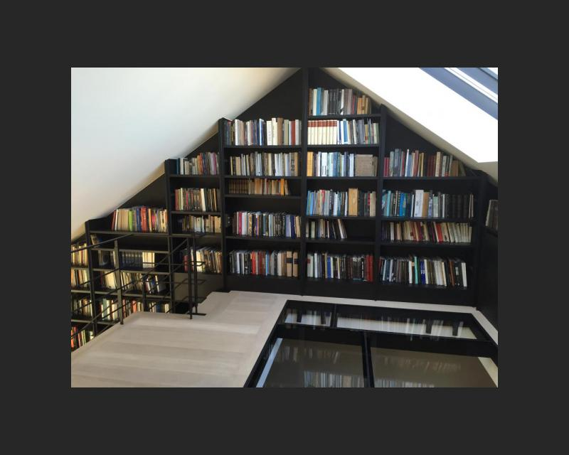 Bibliotheek tot in het dak